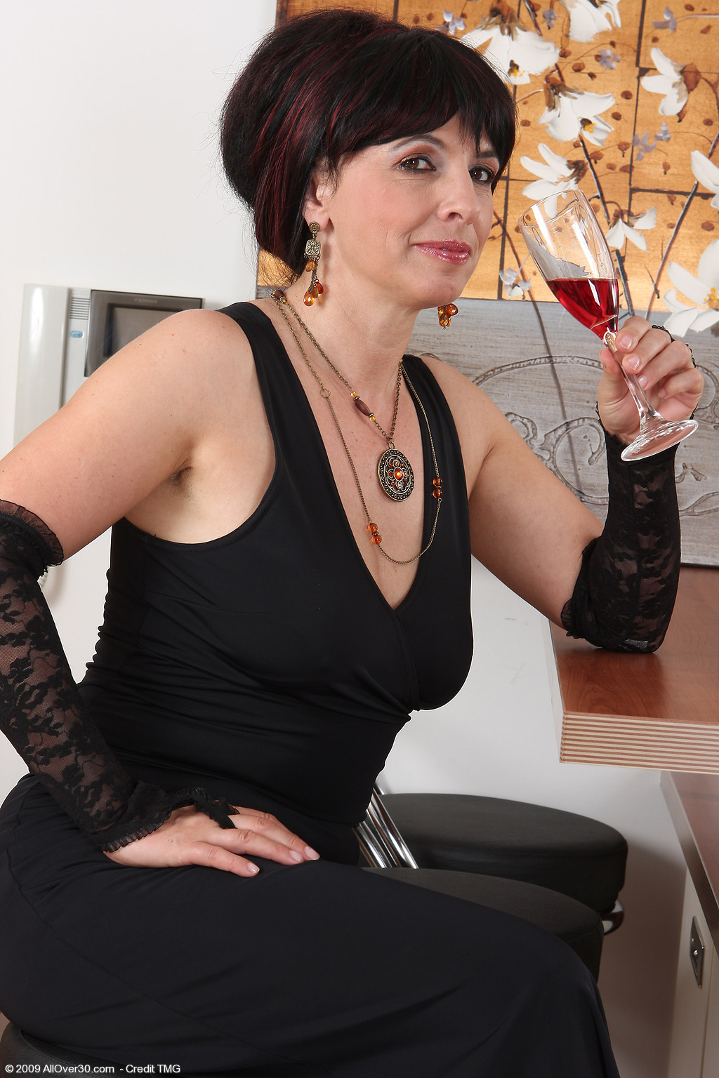 49 year old juliette - exclusive milf pictures from allover30