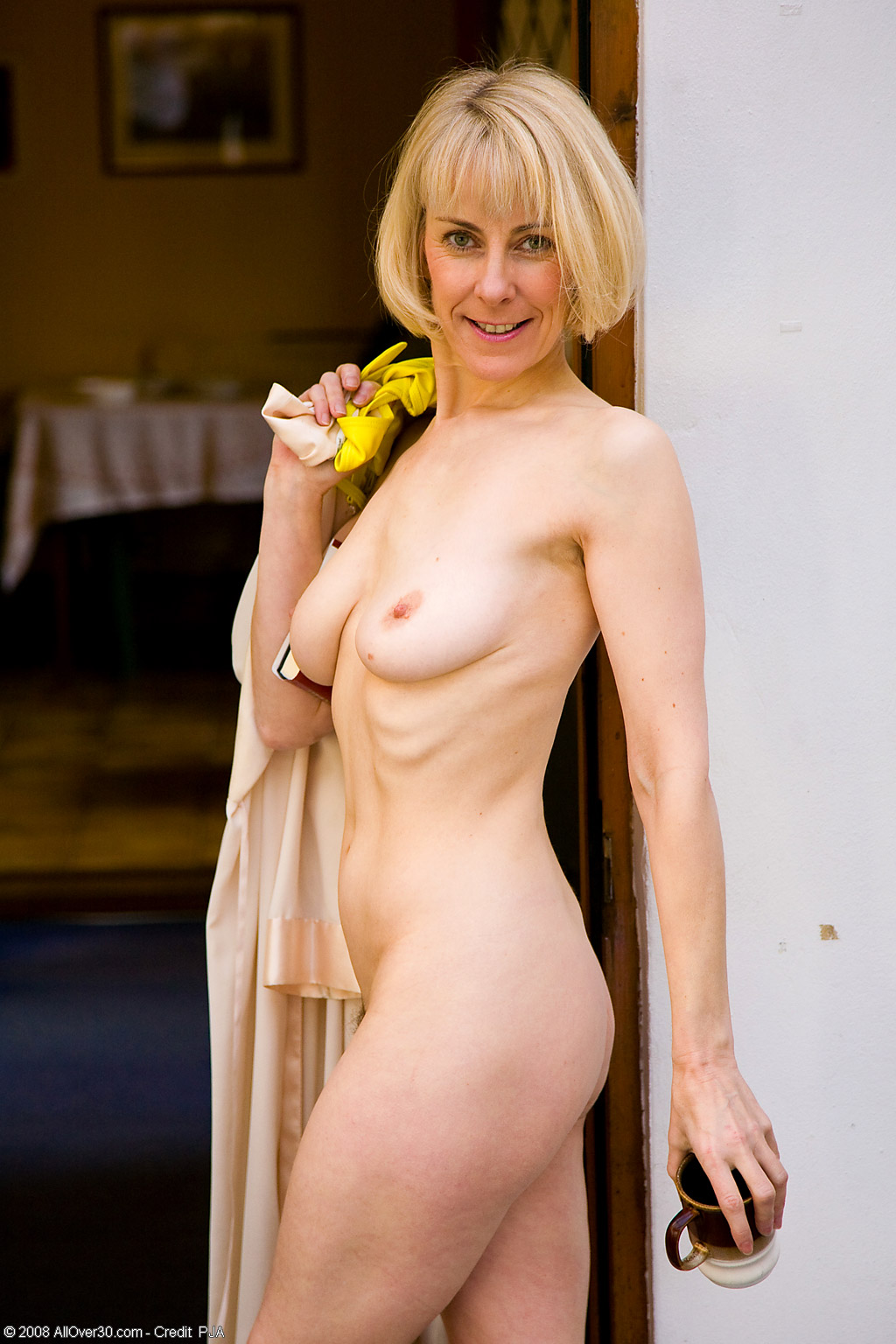 allover30 model http://tour.allover30 .com/v2.2/Mature_Models/53_Year_Old_Blonde_Hazel/images/Hazel_Posing.jpg