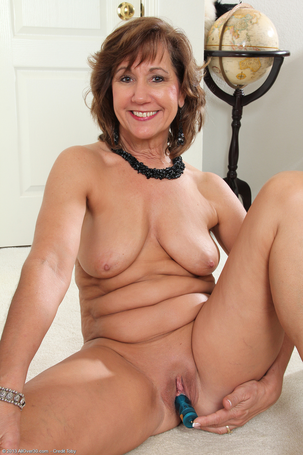 53 Year Old Lynn - Exclusive Milf Pictures From Allover30Com-7619